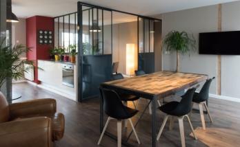 Transformation d'une habitation en Agence immobilère.