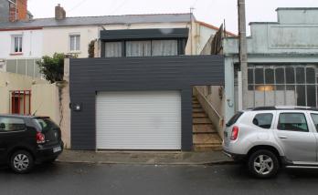Extension du garage et de la terrasse pour cette maison de ville située à Vertou (44)