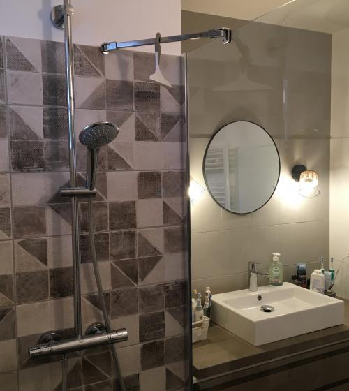 Rénovation de salle de bains en Loire-Atlantique - douche à l'italienne et vasque