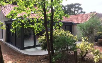 Rénovation d'une maison avec la véranda et le garage, à Saint Brévin
