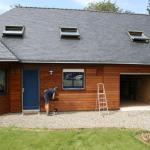 Rénover la façade d'une maison par un bardage bois à Vertou